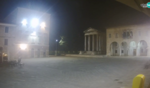 Pula - Live view of the Forum and the Tample of Augustus